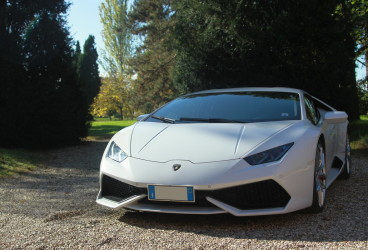 lamborghini-uracan-super-car-rental-1