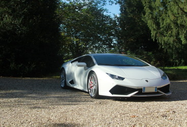 lamborghini-uracan-super-car-rental-2