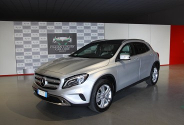 rent-mercedes-gla-upcars-1