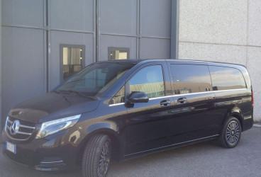 upcars-mercedes-rental-class-v-1