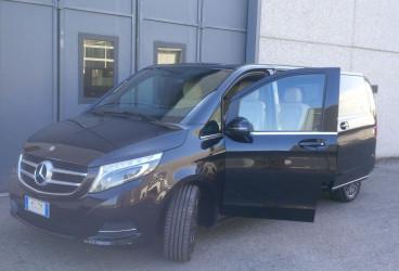 upcars-mercedes-rental-class-v-6
