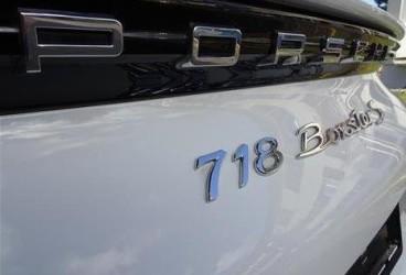 upcars-rent-porsche-718-boxter-s-3